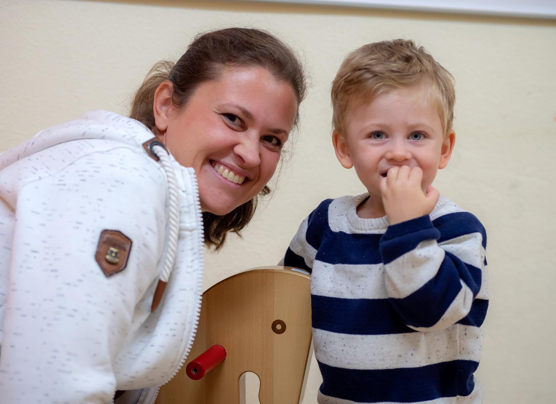 Kristine Hartwich mit ihrem Sohn Levi.